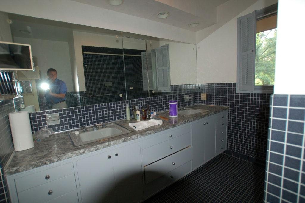 Shaker Heights Bathroom Before